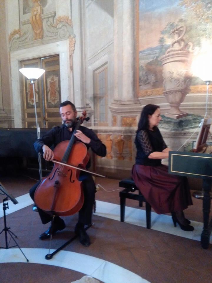 Annalaura e Andrea Cavuoto a Villa Falconieri